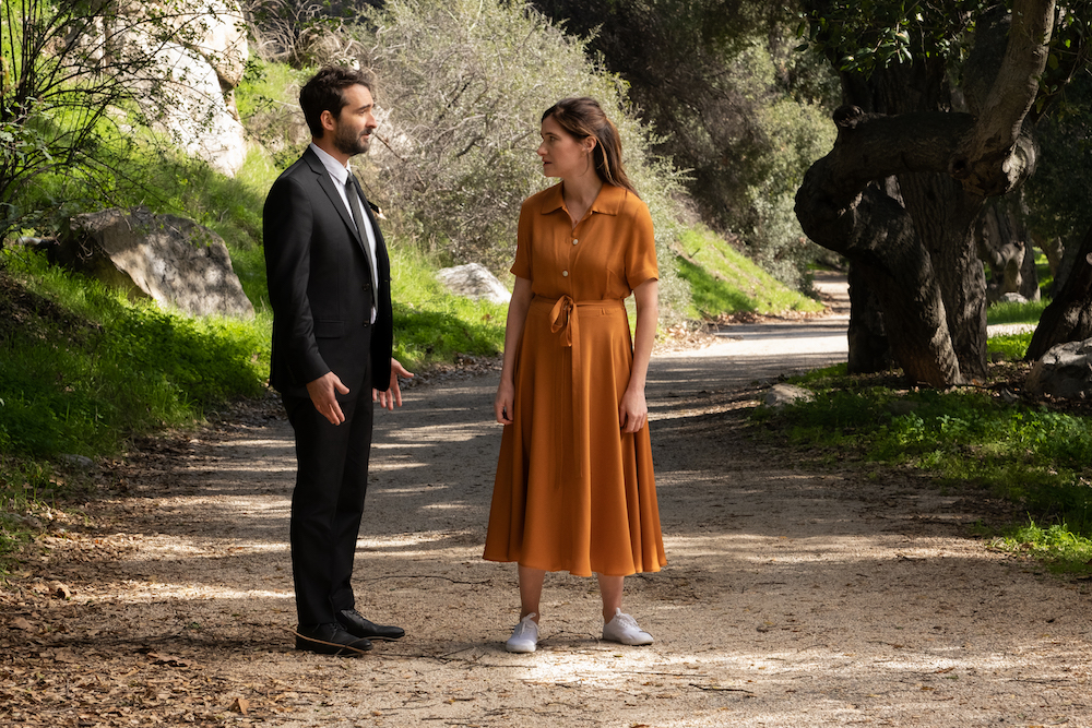 "Jay Duplass and Kathryn Hahn in ""Transparent"" finale"