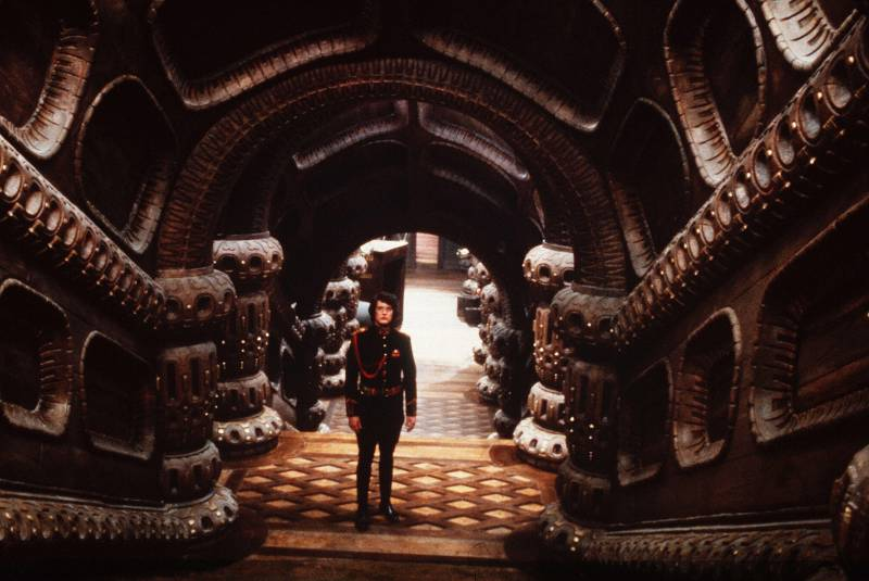 Editorial use only. No book cover usage. Mandatory Credit: Photo by Universal/Kobal/Shutterstock (5882260o) Kyle Maclachlan Dune - 1984 Director: David Lynch Universal USA Scene Still