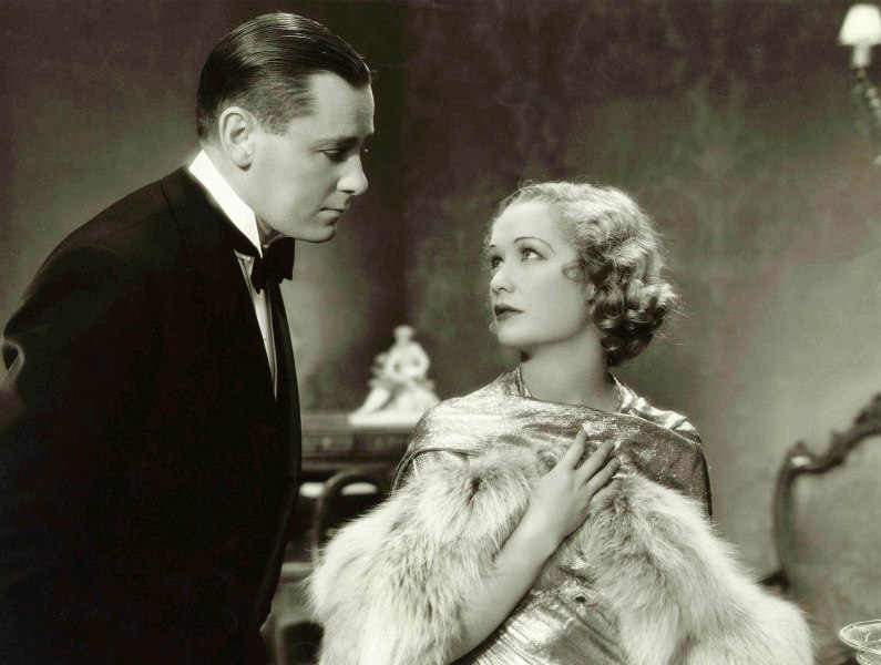 Editorial use only. No book cover usage. Mandatory Credit: Photo by Paramount/Kobal/Shutterstock (5872791b) Herbert Marshall, Miriam Hopkins Trouble In Paradise - 1932 Director: Ernst Lubitsch Paramount USA Scene Still Comedy Haute pègre