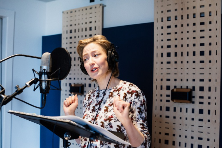 Carrie Coon Motherhacker podcast recording photo