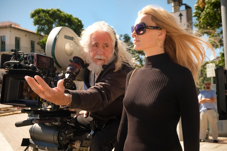 DP, Bob Richardson on set with Margot Robbie - ONCE UPON TIME IN HOLLYWOOD