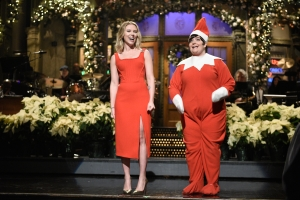 'Saturday Night Live' Review: Christmas Comes Early for Scarlett Johansson's Sixth Time Hosting