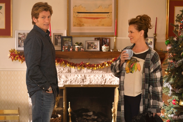 THE MOODYS: L-R: Denis Leary and Elizabeth Perkins in the all-new holiday-themed comedy THE MOODYS, airing over three nights, with back-to-back episodes, beginning Wednesday, Dec. 4 (9:00-9:30 PM ET/PT and 9:30-10:00 PM ET/PT) on FOX. The series continues the following week with back-to-back episodes on Monday, Dec. 9 (9:00-9:30 PM ET/PT and 9:30-10:00 PM ET/PT) and Tuesday, Dec. 10 (9:00-9:30 PM ET/PT and 9:30-10:00 PM ET/PT). © 2019 FOX MEDIA LLC. Cr: Jonathan Wenk/FOX.