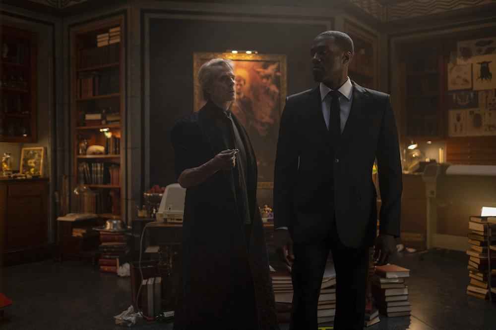Watchmen Episode 8 Dr Manhattan Jeremy Irons Yahya Abdul Mateen II