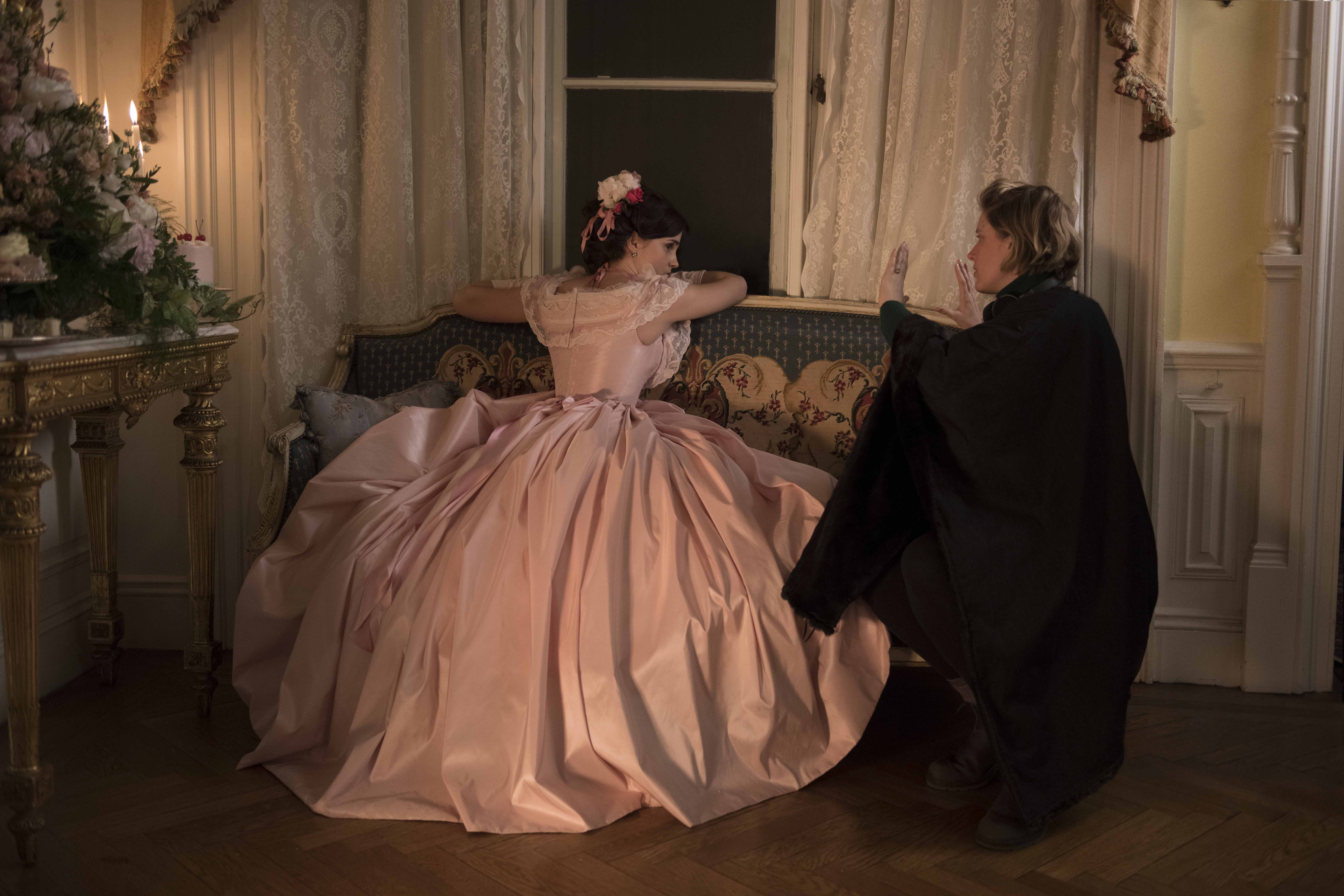 """BTS: Emma Watson and Director/Writer Greta Gerwig on the set of Columbia Pictures' LITTLE WOMEN."""""""