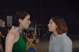 'The Nowhere Inn' Review: St. Vincent and Carrie Brownstein's Wacky Mockumentary Is Not What It Seems