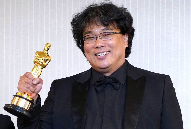 Bong Joon-ho holds his Oscar trophy at a press conference in Los Angeles, California, USA, 09 February 2020, after the black comedy film took four titles at the 92nd annual Academy Awards gala that was held earlier the same night at the Dolby Theatre in Hollywood. The movie won Oscars in the categories Best Picture, Directing, International Feature Film and Writing (Original Screenplay).Parasite team poses after Oscars ceremony, Los Angeles, USA - 10 Feb 2020