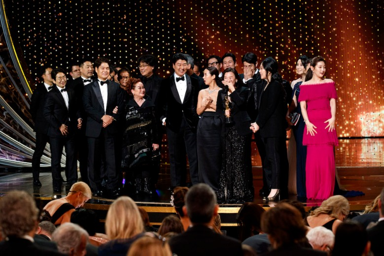 THE OSCARS® - The 92nd Oscars® broadcasts live on Sunday, Feb. 9,2020 at the Dolby Theatre® at Hollywood & Highland Center® in Hollywood and will be televised live on The ABC Television Network at 8:00 p.m. EST/5:00 p.m. PST. (ABC/CRAIG SJODIN)BONG JOON HO, KWAK SIN AE, CAST AND CREW OF PARASITE