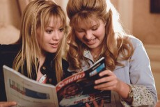 Editorial use only. No book cover usage.Mandatory Credit: Photo by Disney/Kobal/Shutterstock (5878845b)Hilary Duff, Ashlie BrillaultThe Lizzie McGuire Movie - 2003Director: Jim FallWalt DisneyUSAScene StillAction/ComedyLizzie McGuire, le film