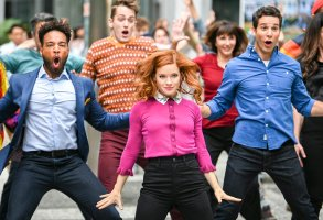 "ZOEY'S EXTRAORDINARY PLAYLIST -- ""Zoey's Extraordinary Best Friend"" Episode 102 -- Pictured: (l-r) Skylar Astin as Max; Jane Levy as Zoey Clarke; John Clarence Stewart as Simon -- (Photo by: Sergei Bachlakov/NBC)"