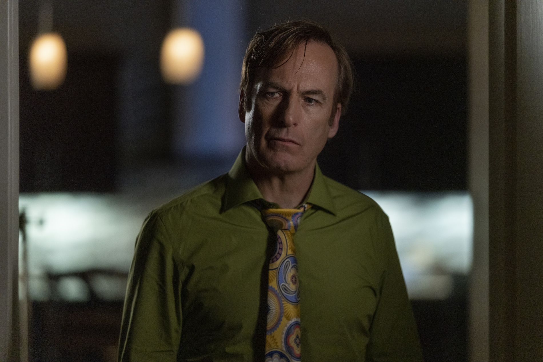 Bob Odenkirk as Jimmy McGill - Better Call Saul _ Season 5, Episode 5 - Photo Credit: Greg Lewis/AMC/Sony Pictures Television