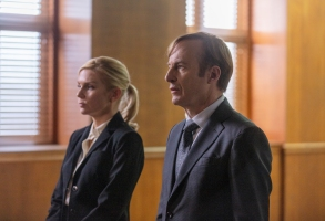 Bob Odenkirk as Jimmy McGill, Rhea Seehorn as Kim Wexler - Better Call Saul _ Season 5, Episode 7 - Photo Credit: Greg Lewis/AMC/Sony Pictures Television