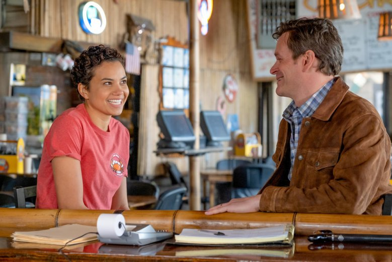 """COUNCIL OF DADS -- """"Pilot"""" Episode 101 --  Pictured: (l-r) Michele Weaver as Luly Perry, Tom Everett Scott as Scott Perry -- (Photo by: Joe Mast/NBC)"""