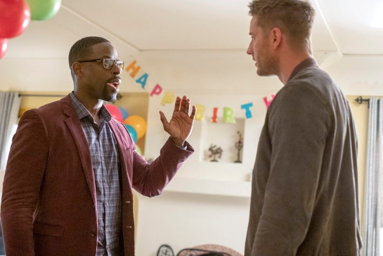 """THIS IS US -- """"Strangers: Part Two"""" Episode 418 -- Pictured: (l-r) Sterling K. Brown as Randall, Justin Hartley as Kevin -- (Photo by: Ron Batzdorff/NBC)"""