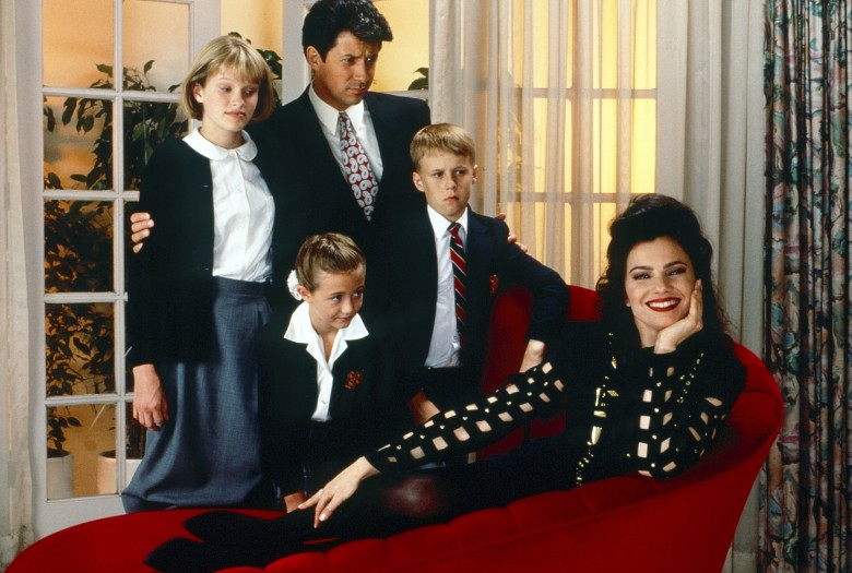 THE NANNY, from left: Nicholle Tom, Madeline Zima, Charles Shaughnessy, Benjamin Salisbury, Fran Drescher, 1993-1999.  ph: Cliff Lipson /© CBS/ Courtesy Everett Collection