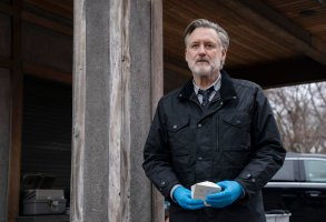 "THE SINNER -- ""Part VIII"" Episode 308 -- Pictured: Bill Pullman as Detective Lt. Harry Ambrose -- (Photo by: Peter Kramer/USA Network)"