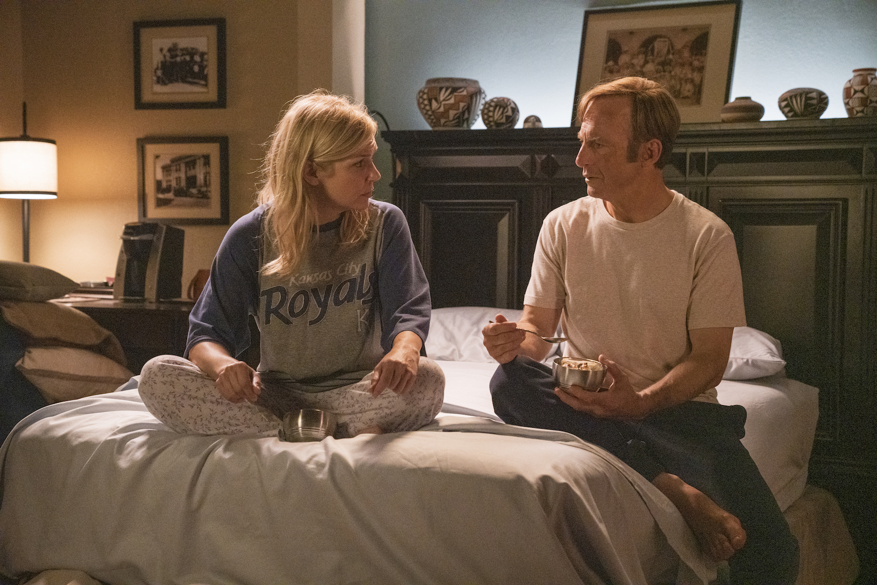 Rhea Seehorn as Kim Wexler, Bob Odenkirk as Jimmy McGill - Better Call Saul _ Season 5, Episode 10 - Photo Credit: Greg Lewis/AMC/Sony Pictures Television