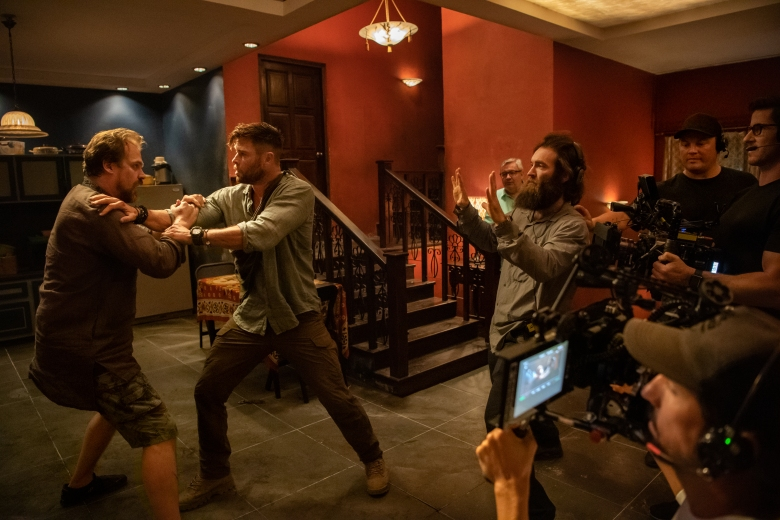Extraction Why Marvel Stunt Coordinator Turned To Netflix To Direct Indiewire