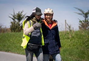 The Half Of It - Director Alice Wu, Leah Lewis  - Photo Credit: Netflix / KC Bailey