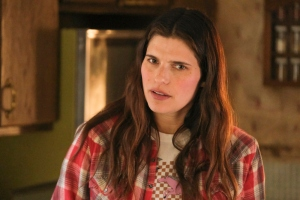 Lake Bell Built 'Bless This Mess' Into a Distinct Sitcom with Indie Spirit — Awards Spotlight