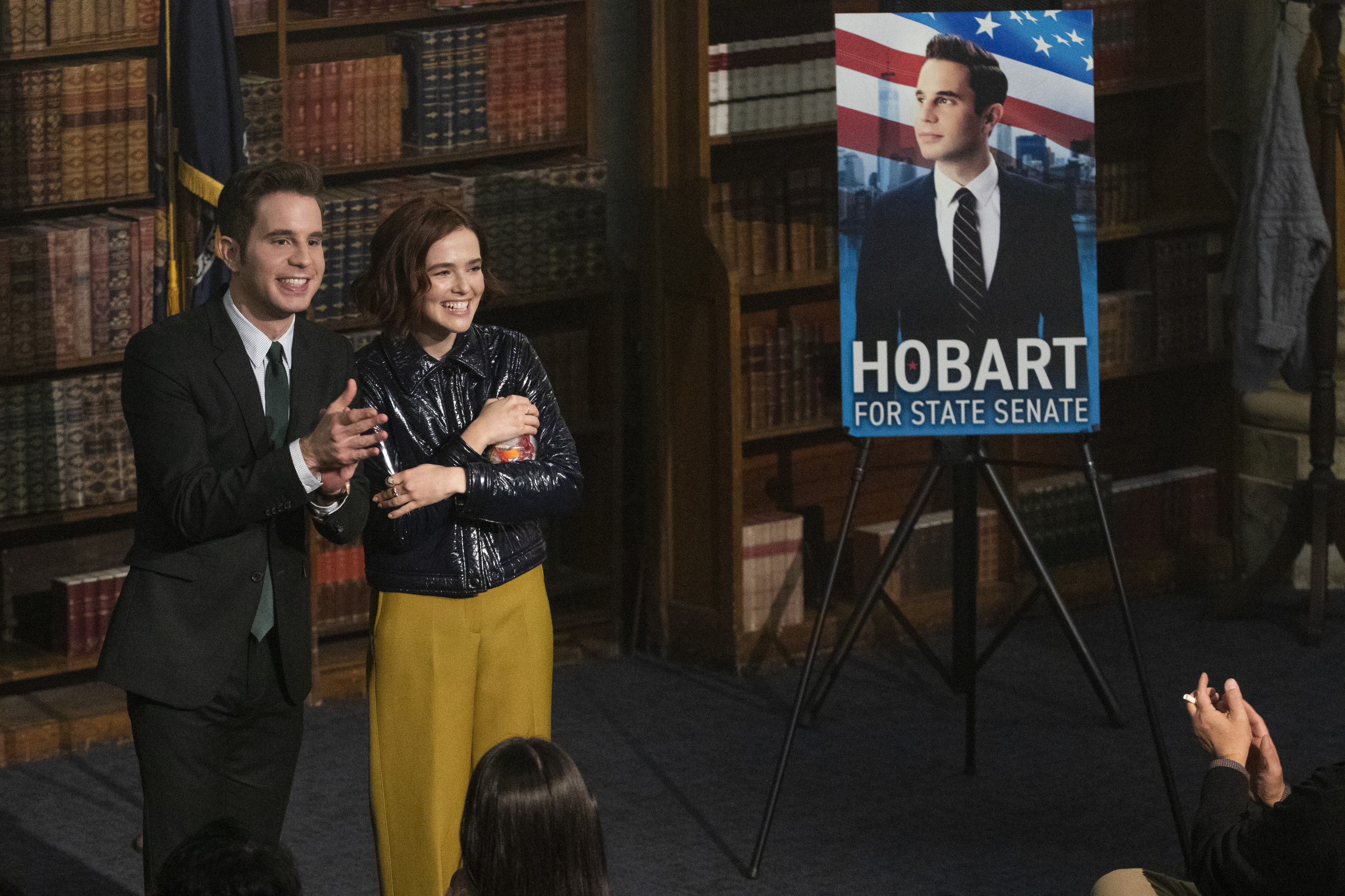 THE POLITICIAN (L to R) BEN PLATT as PAYTON HOBART and ZOEY DEUTCH as INFINITY JACKSON in episode 3 of THE POLITICIAN. Cr. GIOVANNI RUFINO/NETFLIX © 2020
