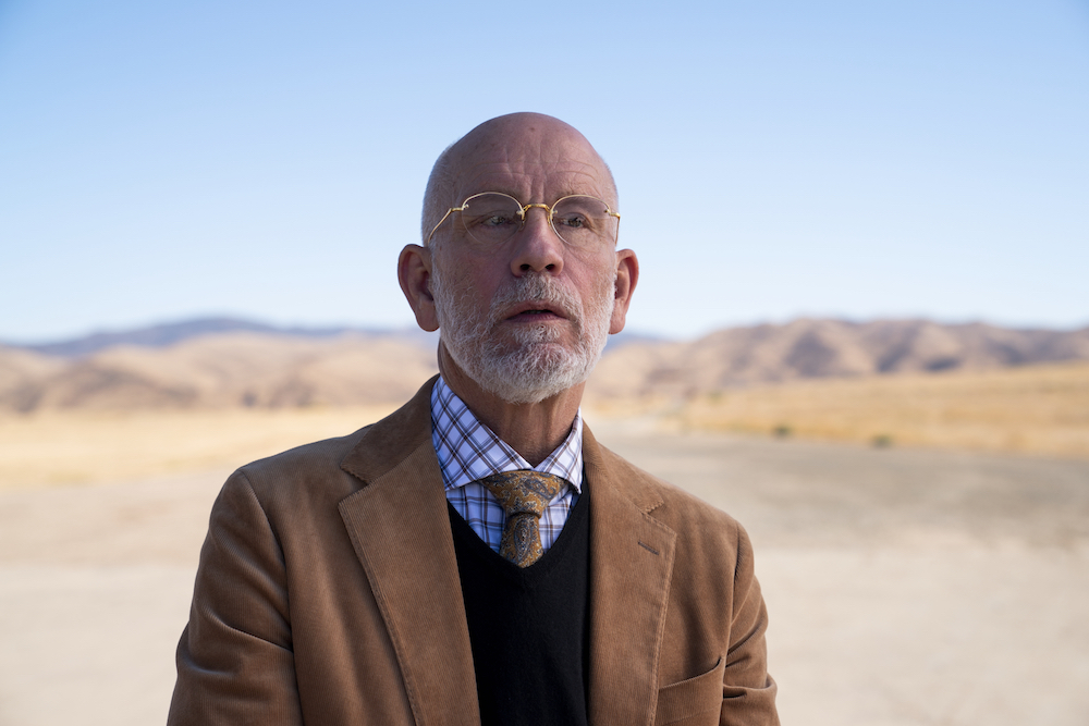 SPACE FORCE (L TO R) JOHN MALKOVICH as DR. ADRIAN MALLORY in episode 101 of SPACE FORCE Cr. AARON EPSTEIN/NETFLIX © 2020