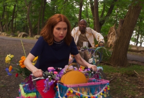 Unbreakable Kimmy Schmidt: Kimmy vs. The Reverend Interactive Special Netflix Ellie Kemper