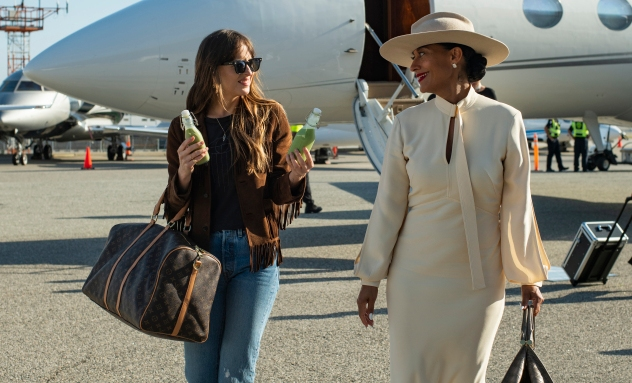 'The High Note' Review: Dakota Johnson and Tracee Ellis Ross Make Bland Music Together