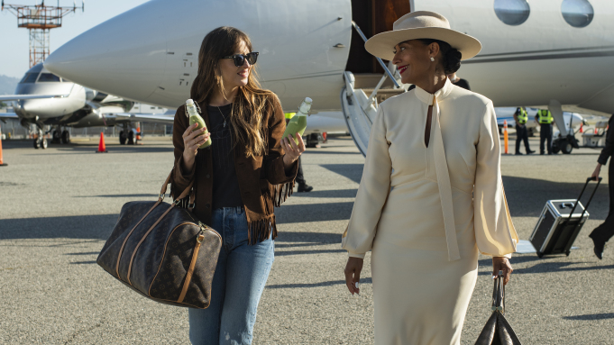 The High Note' Review: Dakota Johnson & Tracee Ellis Ross Make ...