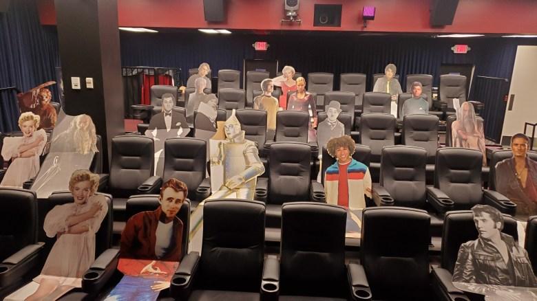 Arena Cinelounge