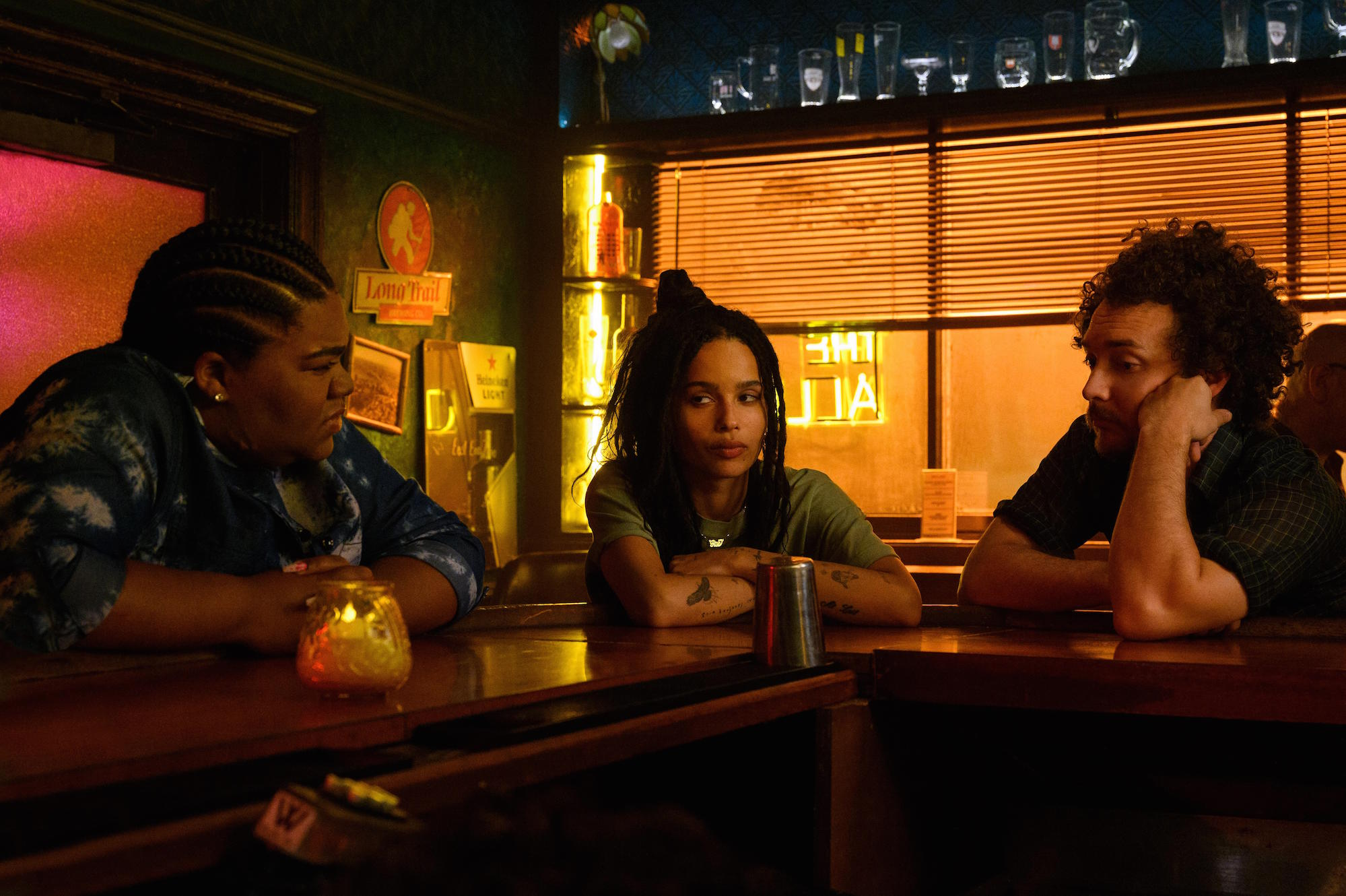 """High Fidelity -- """"Fun Rob"""" - Episode 109 -- It's A milestone birthday forces Rob to confront her past and the demise of her relationship with Mac. Cherise (Da'Vine Joy Randolph), Robyn (Zoë Kravitz), and Simon (David H. Holmes), shown. (Photo by: Phillip Caruso/Hulu)"""