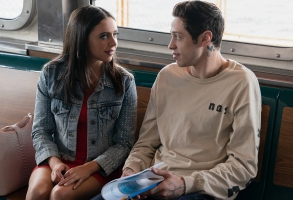 (from left) Kelsey (Bel Powley) and Scott Carlin (Pete Davidson) in The King of Staten Island, directed by Judd Apatow.