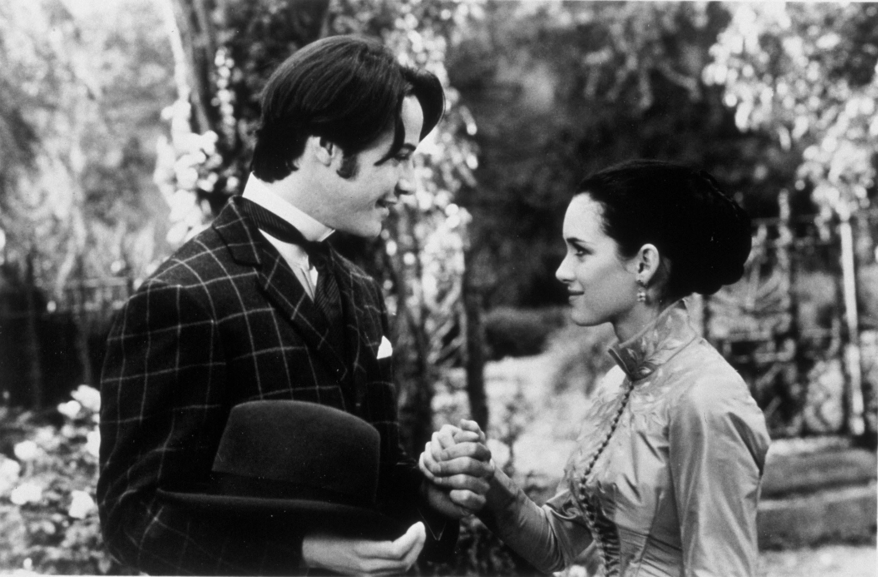 Keanu Reeves Refused to Make Winona Ryder Cry on'Dracula' Set ...
