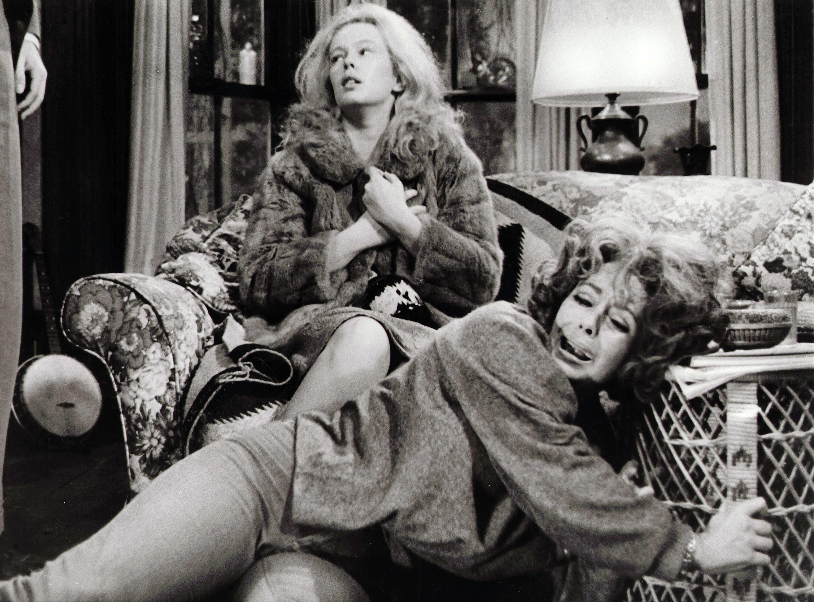 Editorial use only. No book cover usage.Mandatory Credit: Photo by Warner Bros/Kobal/Shutterstock (5885578r) Sandy Dennis, Elizabeth Taylor Who's Afraid Of Virginia Woolf? - 1966 Director: Mike Nichols Warner Bros USA Scene Still Drama Qui a peur de Virginia Woolf ?
