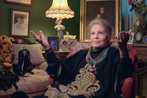 'Mucho Mucho Amor' Review: What the World Needs Now Is Amor, and Walter Mercado