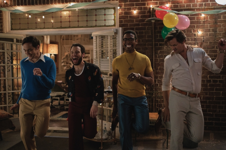 THE BOYS IN THE BAND (2020)Jim Parsons as Michael, Robin De Jesus as Emory, Michael Benjamin Washington as Bernard and Andrew Rannells as Larry.Cr. Scott Everett White/NETFLIX ©2020