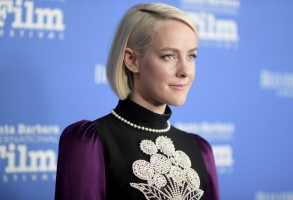 "Jena Malone attends the 2018 Santa Barbara International Film Festival opening night fIlm premiere ""The Public"" on Wednesday, Jan. 31, 2018, in Santa Barbara, Calif. (Photo by Richard Shotwell/Invision/AP)"