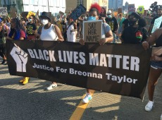 Grand Jury Issues Charges to One Officer in Death of Breonna Taylor, but Not Manslaughter