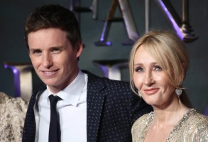 "Photo by: KGC-161/STAR MAX/IPx11/15/16Eddie Redmayne and J.K Rowling at the European premiere of ""Fantastic Beasts and Where to Find Them"".(London, England)"