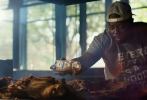CHEF'S TABLE - BBQ, VOLUME 1 - RODNEY SCOTT in episode 3 of CHEF'S TABLE - BBQ.Cr. Courtesy of Netflix/NETFLIX © 2020