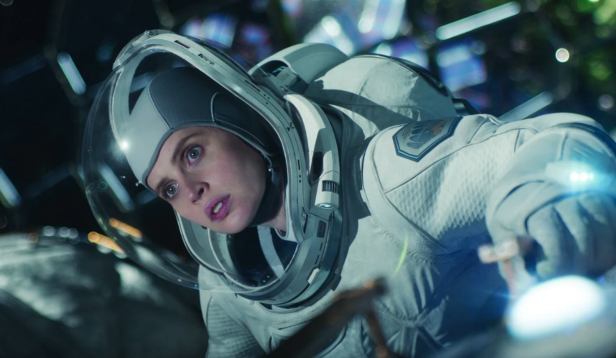 The Midnight Sky' First Look: George Clooney's Netflix Space Epic    IndieWire