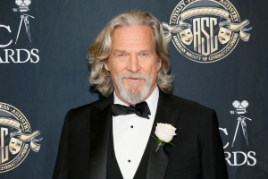 Jeff Bridges Reveals Cancer Diagnosis, Says He's Starting Treatment