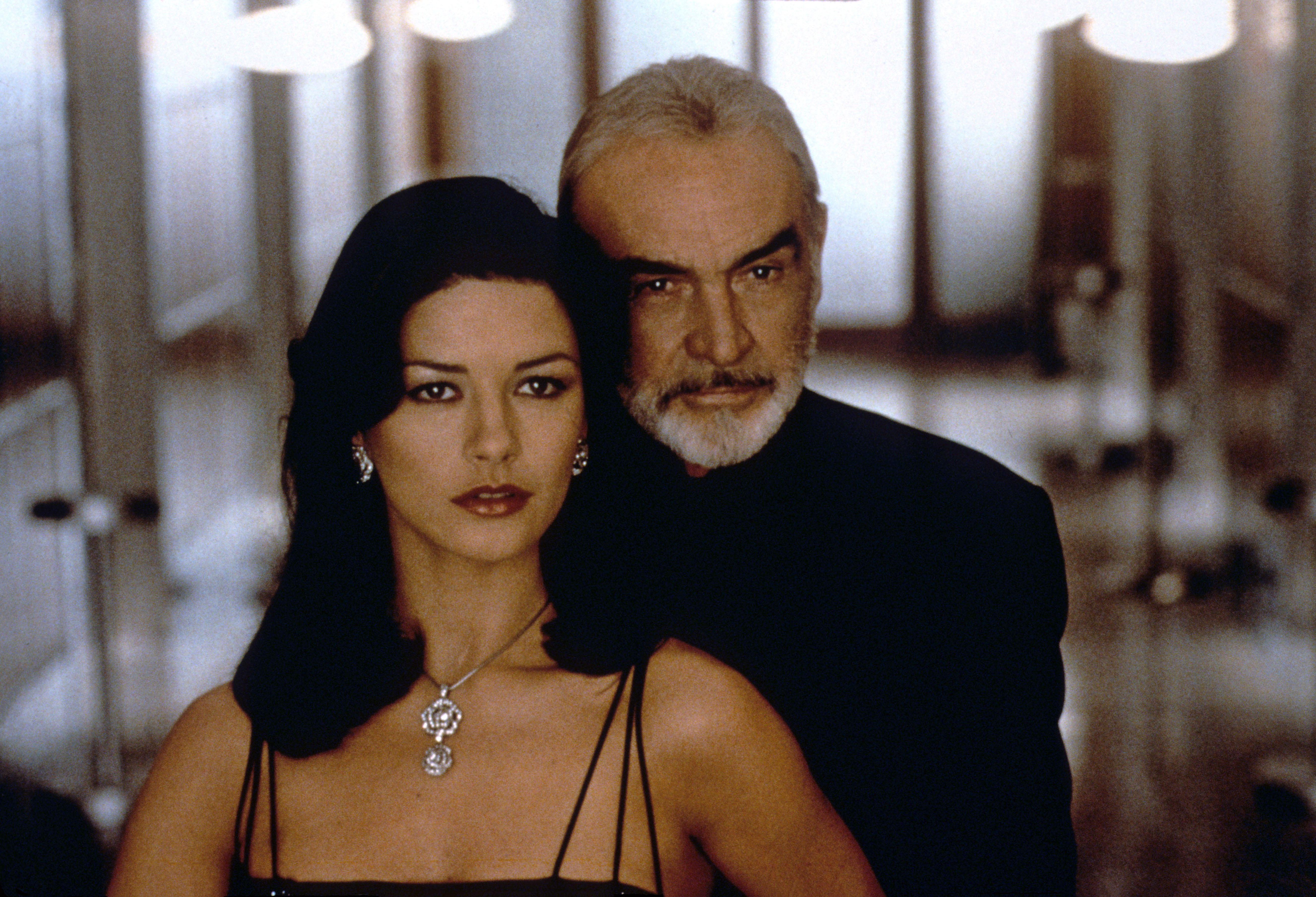 ENTRAPMENT, Catherine Zeta-Jones, Sean Connery, 1999, TM and Copyright © 20th Century Fox Film Corp. All rights reserved,Courtesy: Everett Collection (image upgraded to 17.7 x 12.1 in)