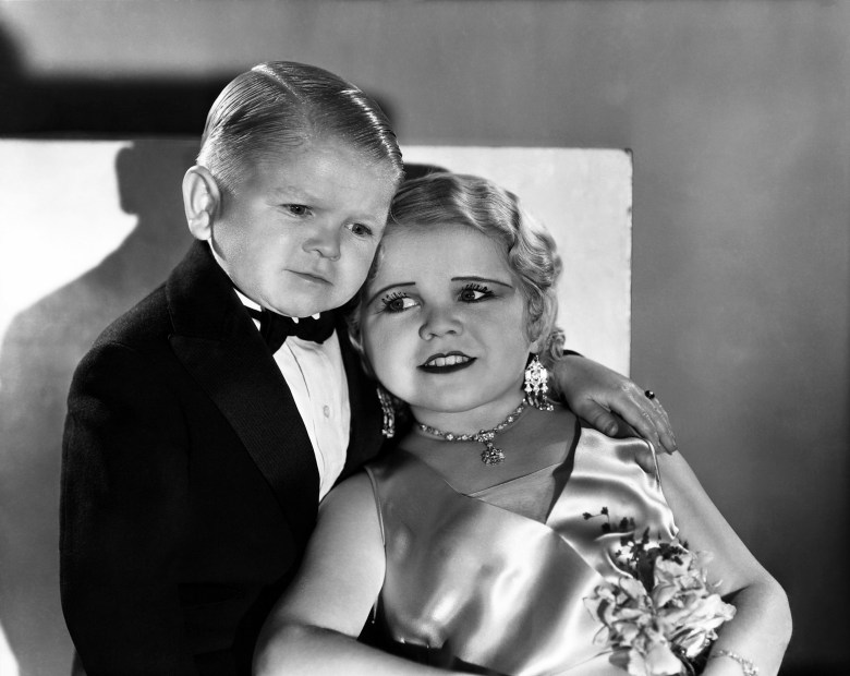 FREAKS, from left: Harry Earles, Daisy Earles, 1932, freaks1932-fsct08, Photo by: Everett Collection (freaks1932-fsct08)