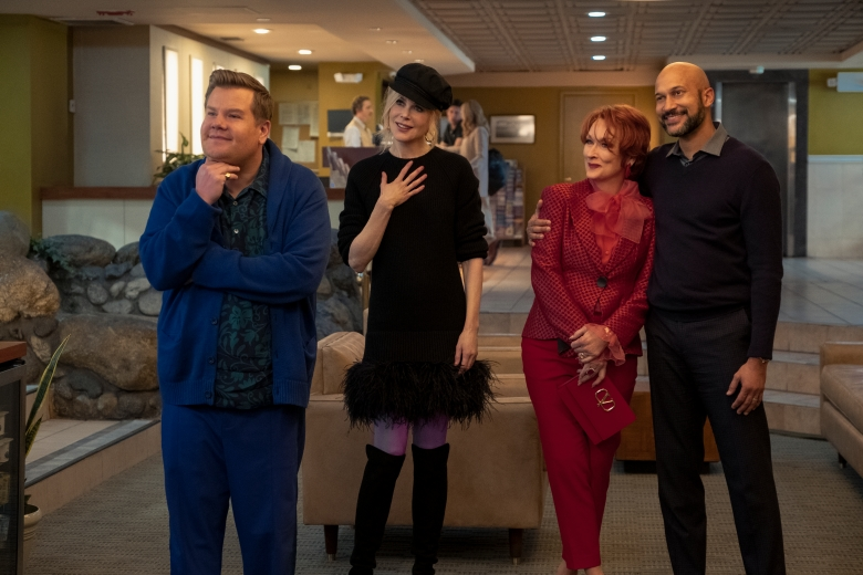 THE PROM (L to R) JAMES CORDEN as BARRY GLICKMAN, NICOLE KIDMAN as ANGIE DICKINSON, MERYL STREEP as DEE DEE ALLEN, KEEGAN-MICHAEL KEY as MR. HAWKINS in THE PROM. Cr. MELINDA SUE GORDON/NETFLIX © 2020