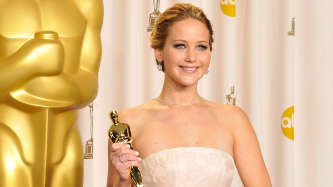 Jennifer Lawrence Confronted Anderson Cooper Over Oscar Fall Claim | IndieWire