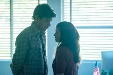 """A TEACHER """"Episode 2"""" (Airs Tuesday, November 10) - - Pictured: (l-r) Nick Robinson as Eric Walker, Kate Mara as Claire Wilson. CR: Chris Large/FX"""