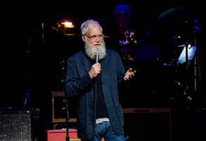 David Letterman speaks at Love Rocks NYC!, a Benefit Concert for God's Love We Deliver at the Beacon Theatre on Thursday, March 12, 2020 in New York. (Photo by Amy Harris/Invision/AP)