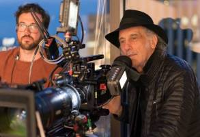 Director of photography Edward Lachman on the set of DARK WATERS, a Focus Features release. Credit : Mary Cybulski / Focus Features