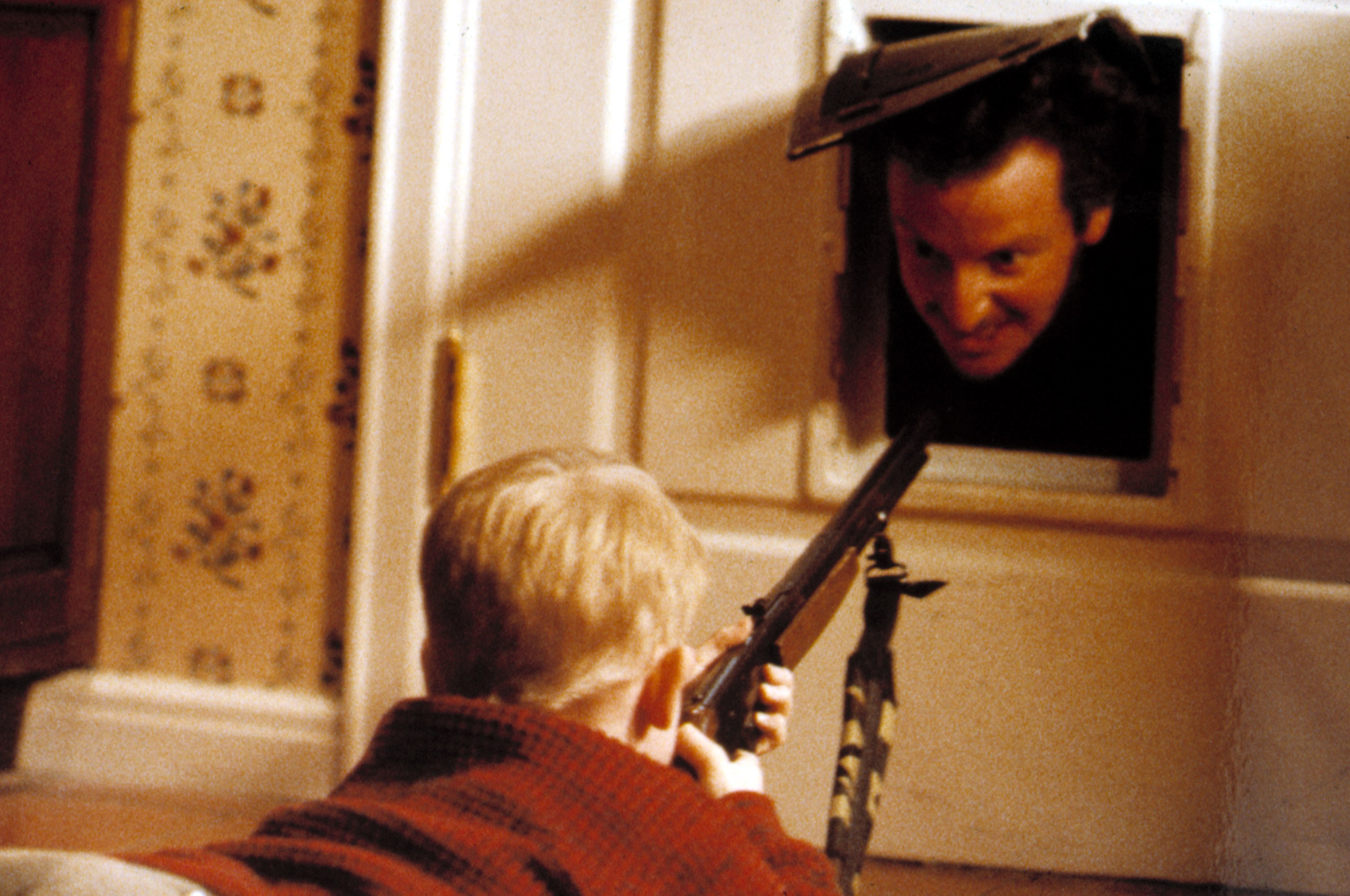 HOME ALONE, Macaulay Culkin, Daniel Stern, 1990. TM and Copyright (c) 20th Century Fox Film Corp. All rights reserved. Courtesy: Everett Collection.